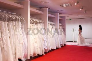 Brautkleider.