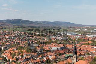 Stadt Wernigerode mit Kirche und Häusern