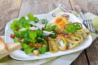 Gebratene Maultaschen mit Feldsalat