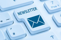 Newsletter senden Internet Business Marketing Kampagne Brief Tastatur blau