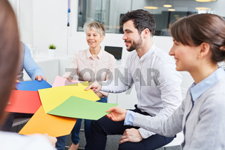 Kreative Übung für Teamentwicklung