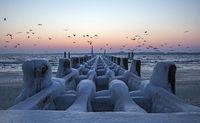 Frostiger Morgen am Ostseestrand in Travemünde