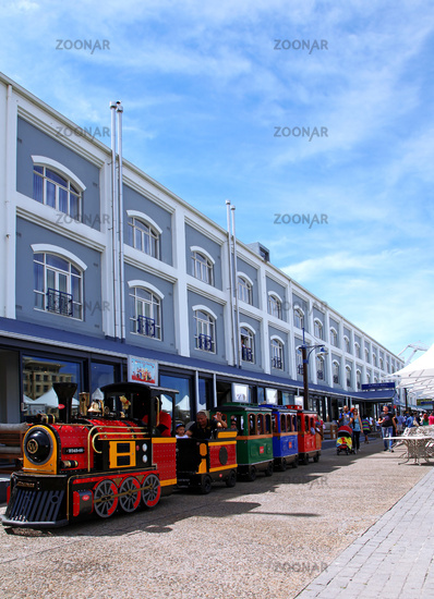 Zug an der Waterfront, Kapstadt, Table Mountain, small train at the Waterfront, Cape Town, South Africa