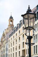 Straßenlaterne in der Innenstadt von Dresden