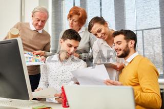Designer Start-Up Team bei der Planung