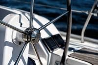 Steuerrad einer Segelyacht