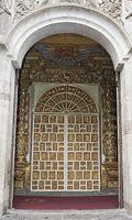 Eingangsportal zur Jesuiten-Kirche La Compañia de Jesús, Quito, Ecuador