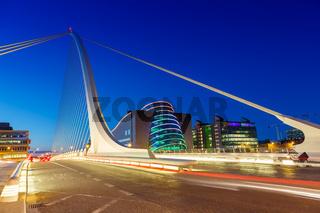 Dublin Irland Samuel Beckett Bridge Brücke abends