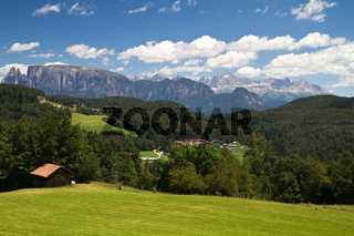 Blick auf die Dolomiten, Südtirol