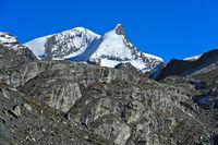 Zermatter Gipfel: v.l.n.r. Strahlhorn und Adlerhorn, Zermatt, Wallis, Schweiz
