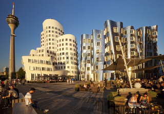 D_Gehry_Rheinturm_33.tif