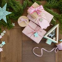 Bunte Dekoration zu Weihnachten