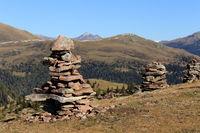 Steinmänner am Berggipfel