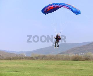 Parachutist landing