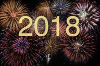 Brillantfeuerwerk zum Jahreswechsel 2018