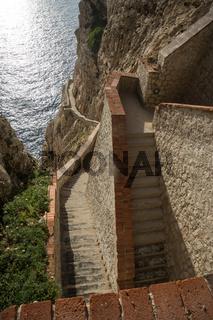 Treppen zur Grotte di Nettuno bei Alghero, Sardinien