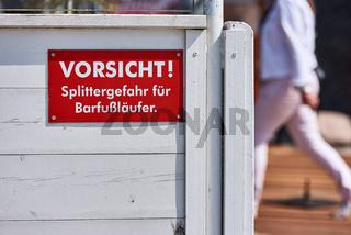 Warnschild für Barfußläufer