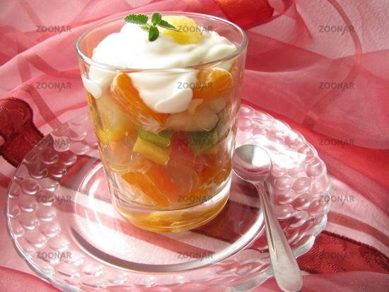 Joghurt Mit Obst im Glas Joghurt im Glas Serviert