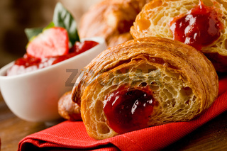 Croissants with marmelade