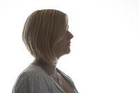 Profilansicht einer jungen Frau