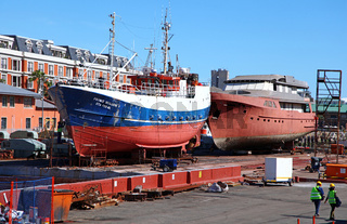 Trockendock im Hafen von Kapstadt, at the port of Cape Town, South Africa