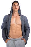 Bodybuilder Bodybuilding Muskeln Hoodie Mann schaut nach oben muskulös jung Jacke Freisteller