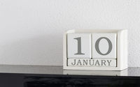 White block calendar present date 10 and month January