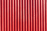 Roter Hintergrund aus Wellblech