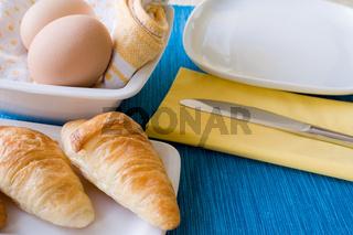 Frühstückstisch - Breakfast table
