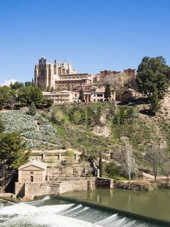 Toledo mit  Franziskanerkloster San Juan des los Reyes, Spanien