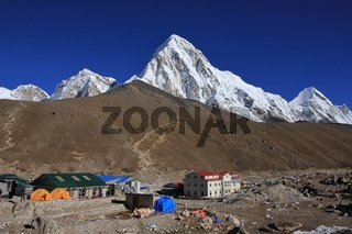Gorak Shep, Kala Patthar and mount Pumori