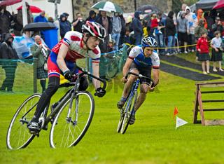 Radrennen auf einer Wiese, Ceres Highland Games, Ceres, Schottland, Grossbritannien