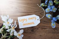 Sunny Flowers, Label, Quote Enjoy Every Moment