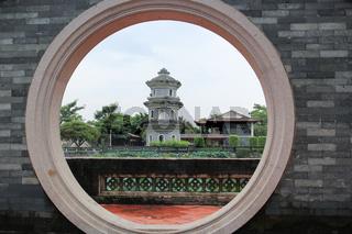 Circle arch door, Chinese jiangnan garden
