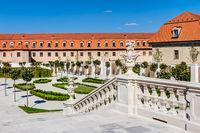 Gartenanlage und Skulpturen im Schlosshof von Bratislava (Pressburg)
