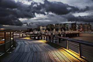Pier und Stadtansicht von Blankenberge, Flandern, Belgien