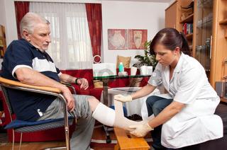 Wundversorgung durch Krankenpfleger