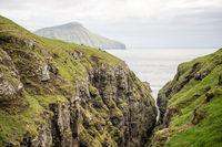 Landschaft auf den Färöer Inseln bei Streymoy