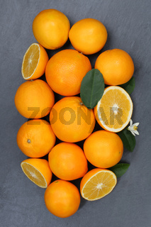 Orangen Orange Frucht Früchte Hochformat Schieferplatte von oben