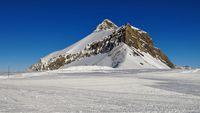 Ski slope and mount Oldenhorn seen from the Diablerets glacier.