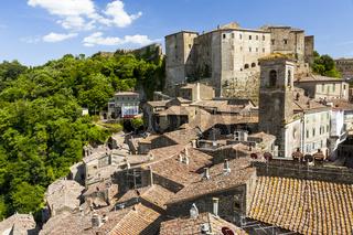 Sorano, Ansicht mit Festung, Stadt des Mittelalters in der Provinz Grosseto in der Toskana, Italien