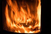 Romantisches Ofenfeuer - Nahaufnahme Flamme