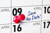 Wall calendar with a red pin - April 09