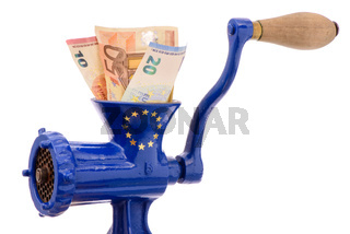 Euro Banknoten im Fleischwolf