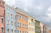 Häuserfassaden in Mühldorf am Inn, Bayern