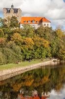 das Schloss von Ballenstedt im Harz mit Herbststimmung