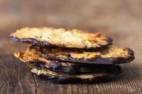Nahaufnahme des Florentiner Kekse auf Holz