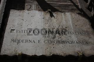 Rom, Schild am Palazzo Mattei di Giove
