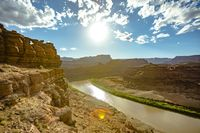 Late afternoon light on the Green River in Utah's canyonlands