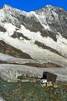Seilbahnstation Felskinn vor den Mischabelhörnern, Saas-Fee, Wallis, Schweiz